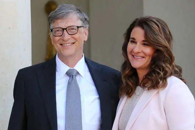 比尔·盖茨官宣离婚结束27年婚姻8447亿财产怎么分